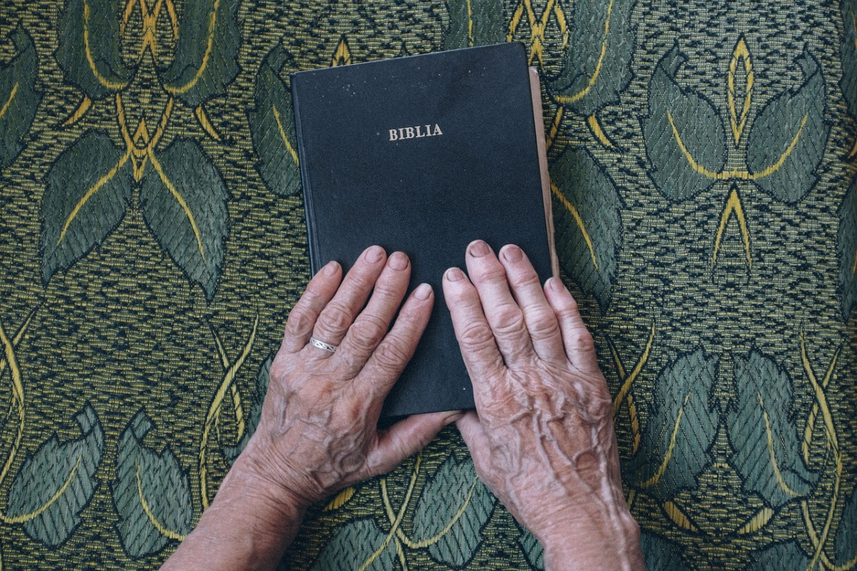 bible-1866564_1280