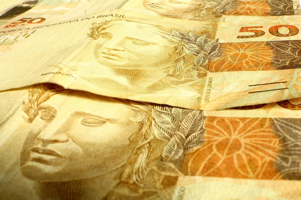 money-637767_1280