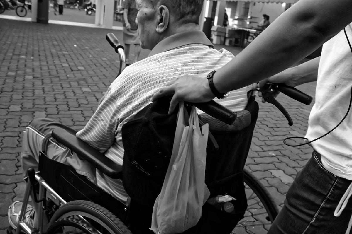 wheelchair-952183_1280