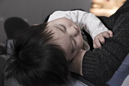 toddler-1245674__340
